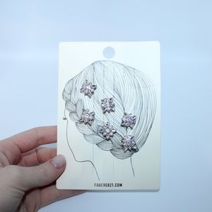 NWT Forever 21 Brand New W/ Tag Flower Hair Pins